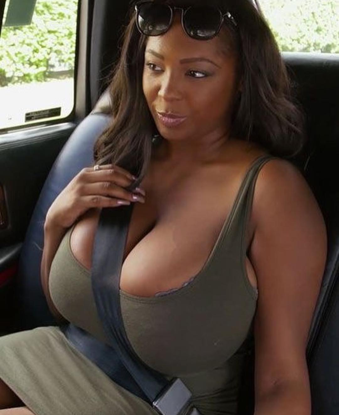 Big black cleavage pictures — img 11