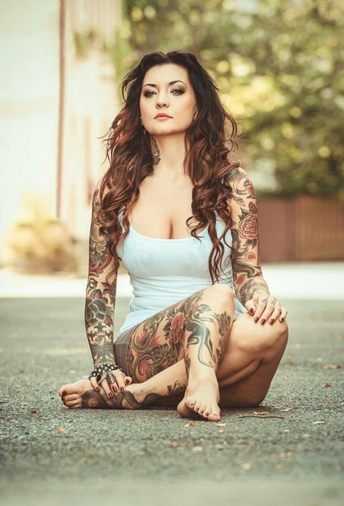 heavily tattooed women 2