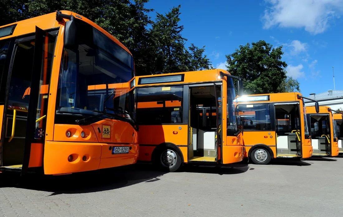 мире есть автобус оранжевый картинки сам смог пройти