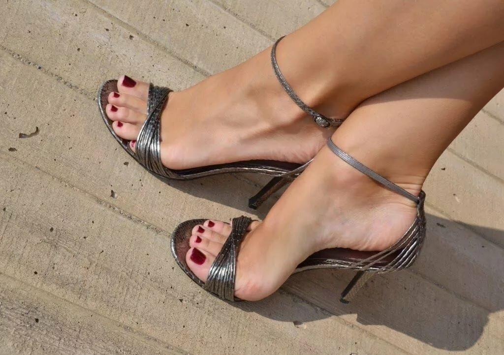 фетеш фото ботинки замыкаем