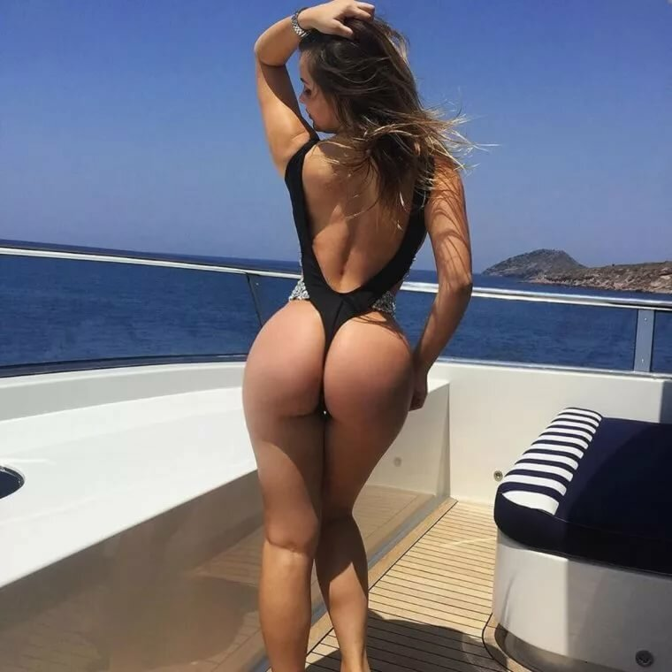 Girls nice butts and boobs nude young