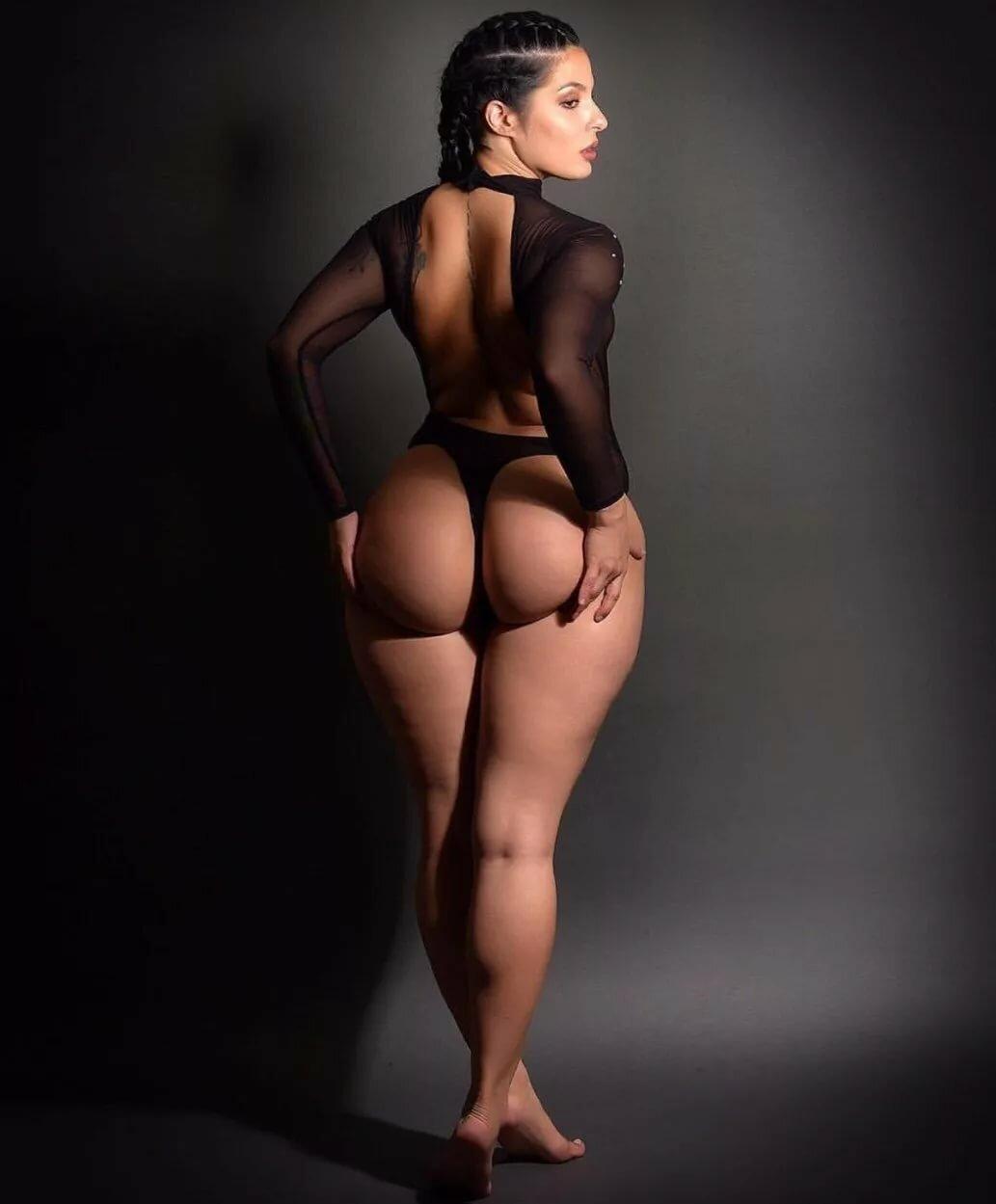 Large butt girls naked