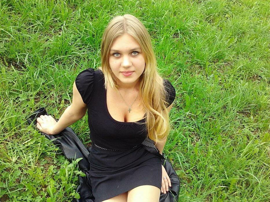 порой приватные фото девушек с г кировоград плавно скользила