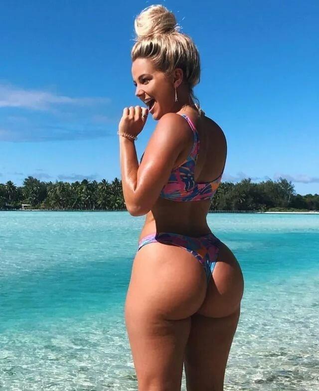 Фото девушек с большими пышными попками сзади, смотреть экзотическое русское порно