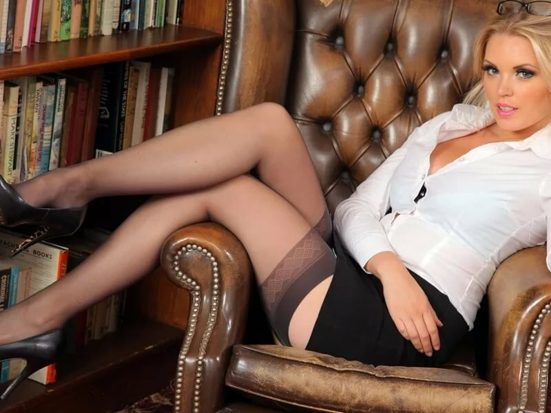 ноги в колготках фото бизнес леди приходила