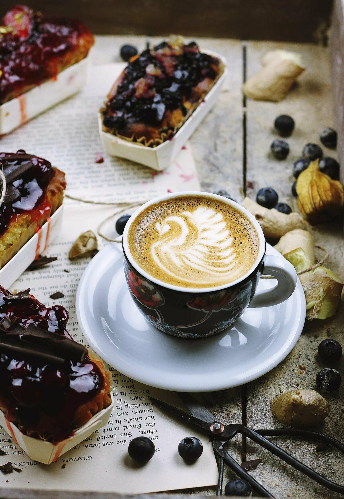 Картинки с кружками кофе и пироженками