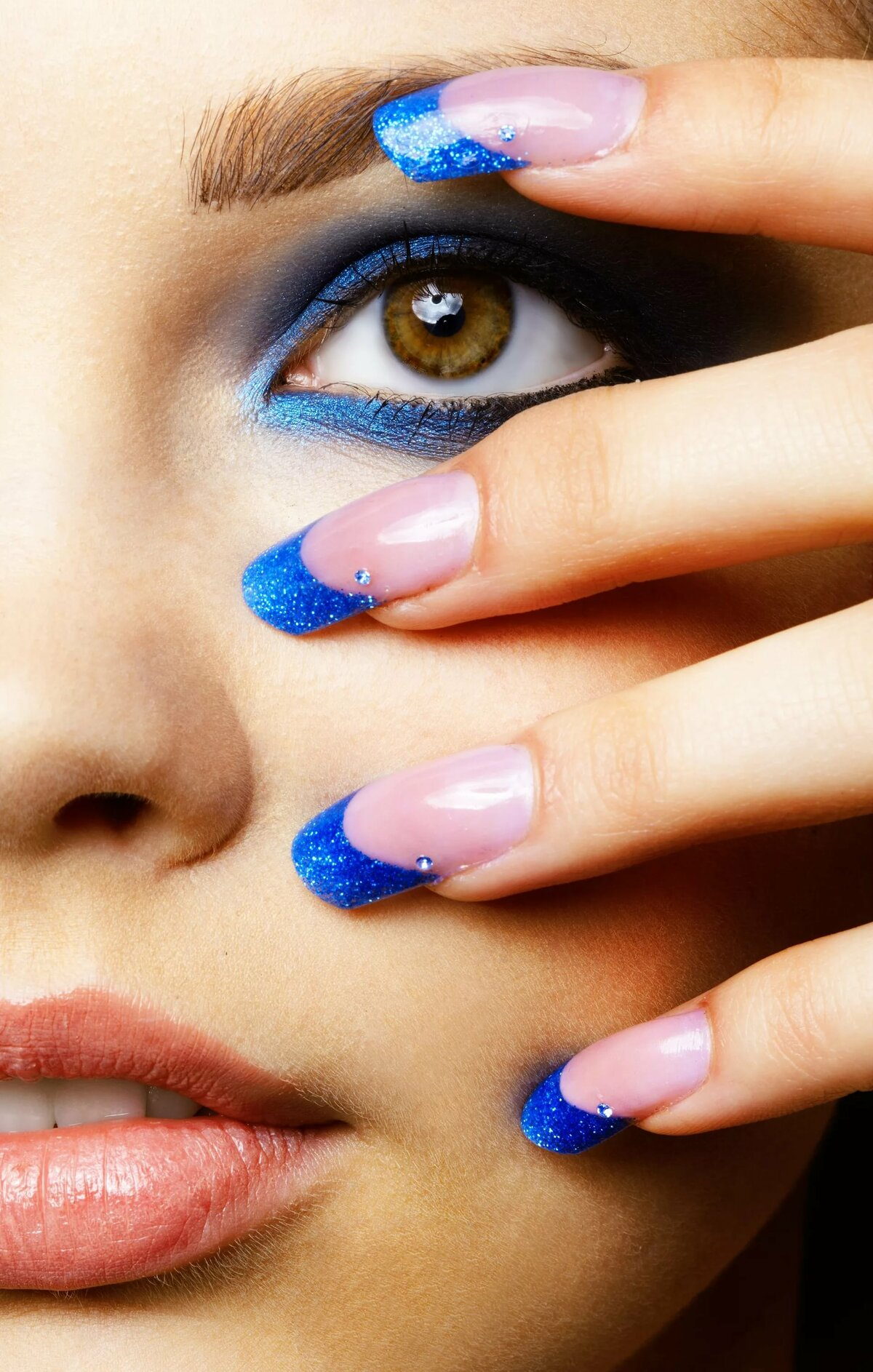Blue eyes and pretty nails