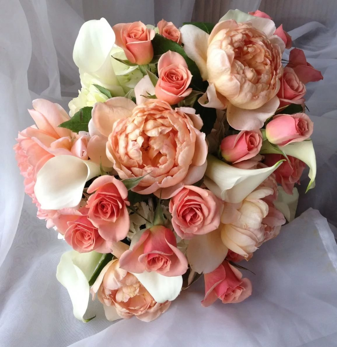 Какие цветы персикового букет