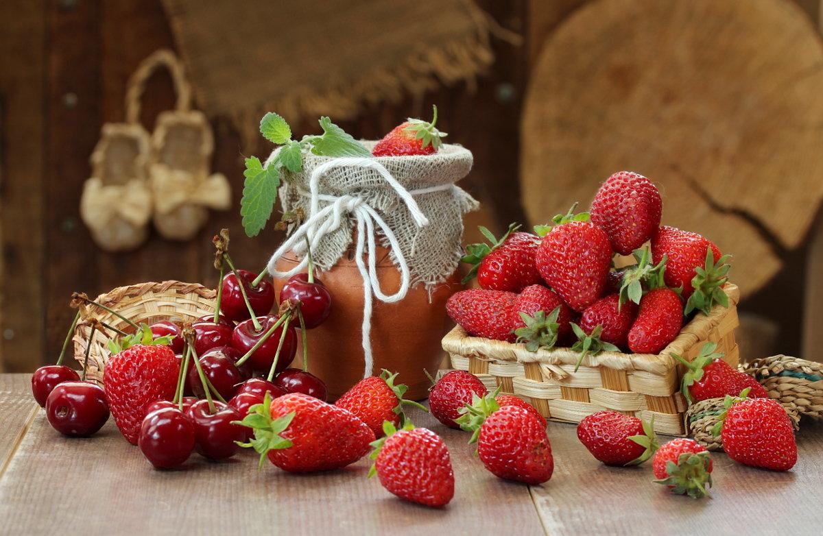 картинки натюрморт с ягодами состоит узла, где