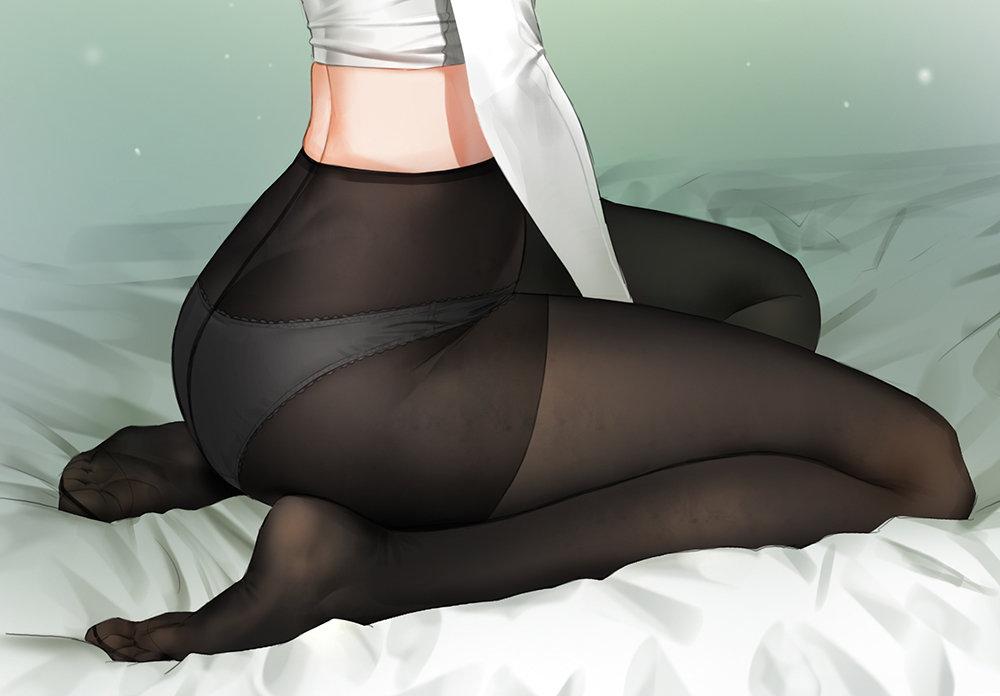 девушки в белых трусиках под черными колготками мной