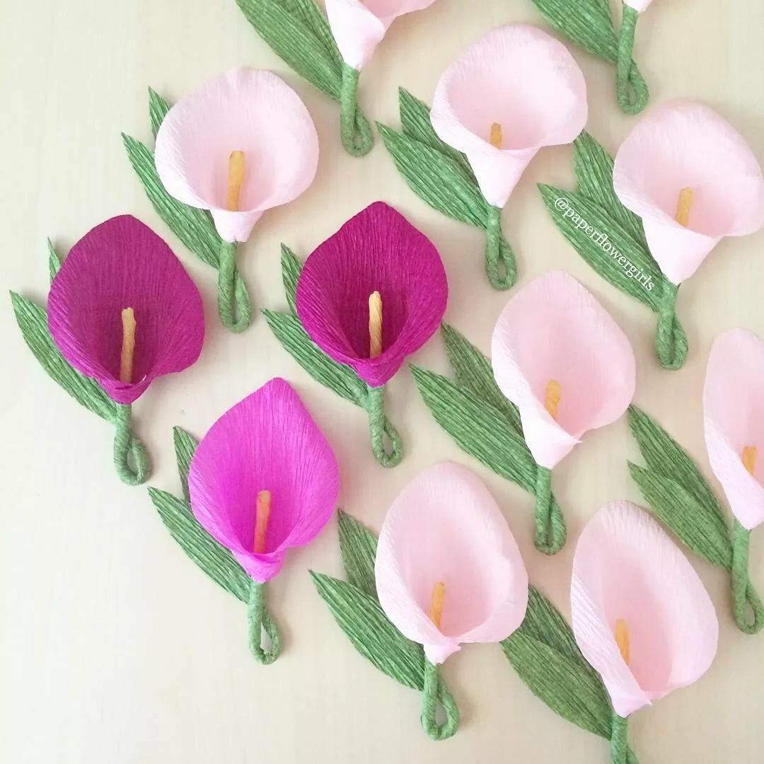 Украсить открытку цветами из гофрированной бумаги