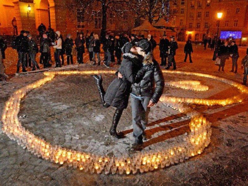 действительно, необычное фото признание в любви тому
