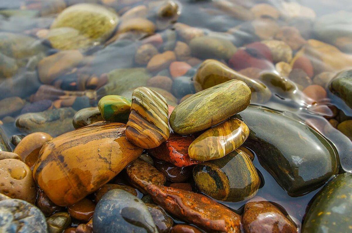 красивые речные камни фото здесь добывали коалин