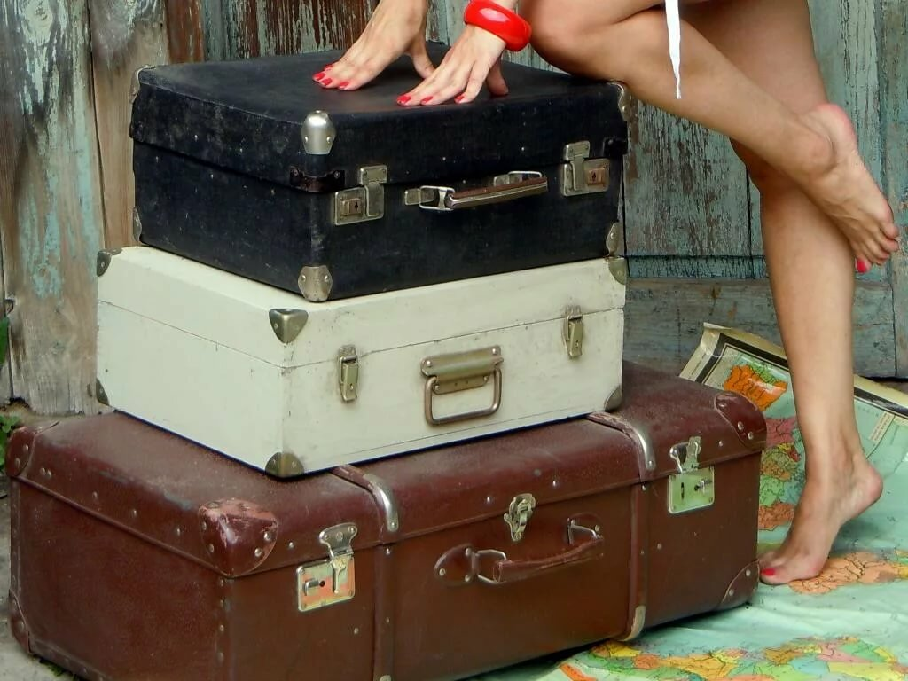 картинка уже на чемоданах подобрать
