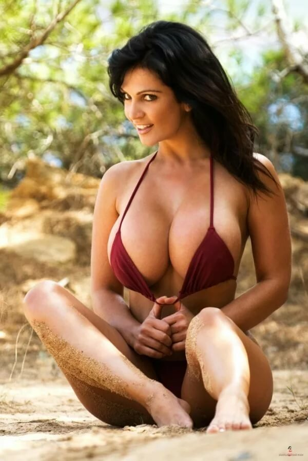Free big boob bikinis, gymnastic tit pics