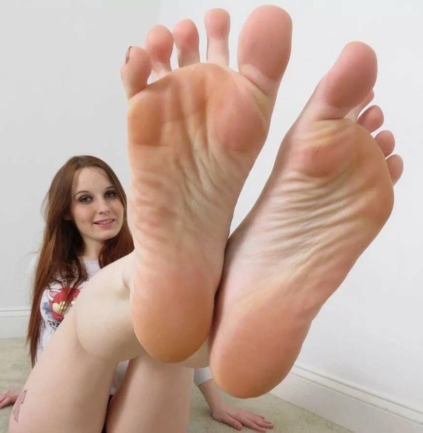 feet-girl-nake