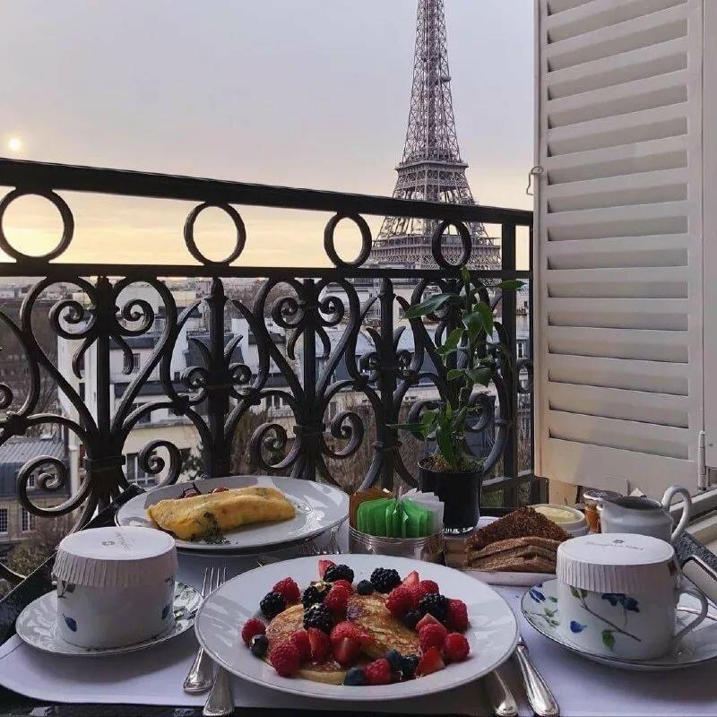 утро в париже фото того