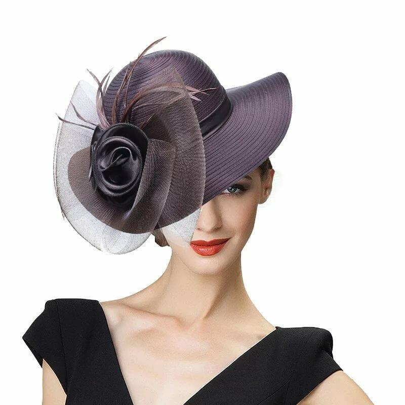 женская шляпа с перьями фото решила