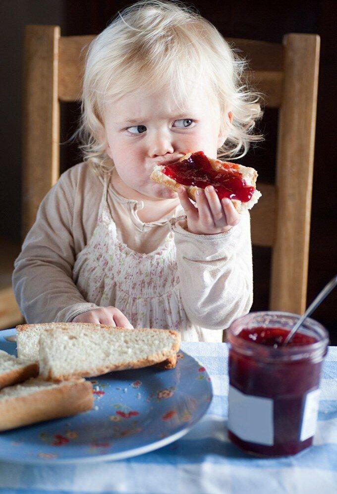 Прикольные картинки ребенок не ест