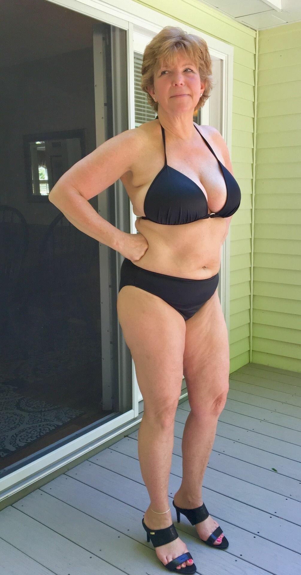 Nude Mature Bikini