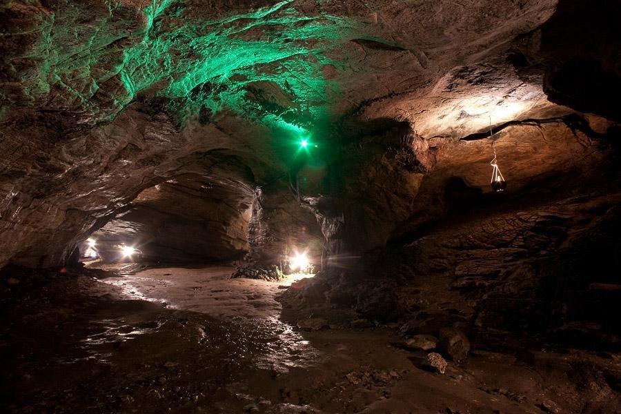 В Ахштырской пещере