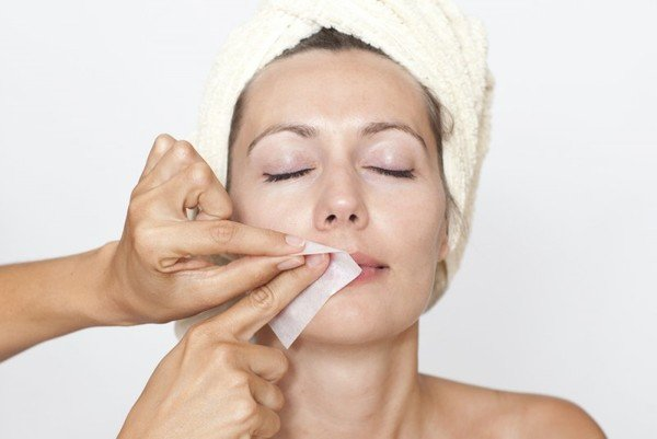 Как избавиться от лишних волос на лице в домашних 9