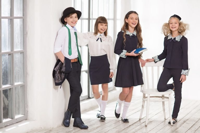 dress code in schools The dress code fix can a dress code fix it dress codes regulate what can be worn in certain places, such as schools and facilities these codes are controversial where.