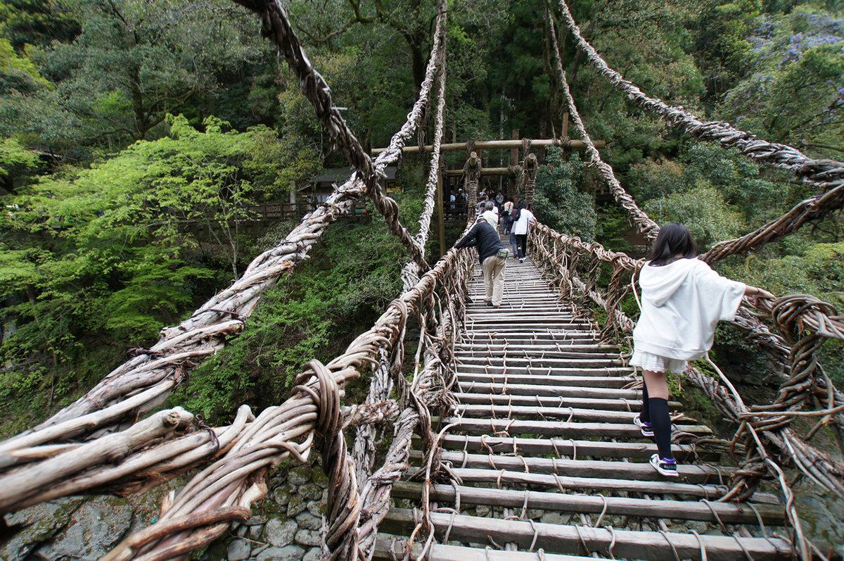 «Плетеные» мосты Iya Valley, Япония