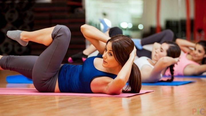 Занятия фитнесом в группе