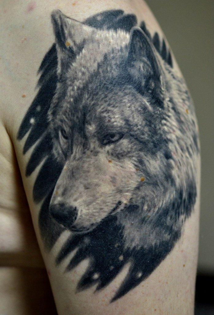 Тату волка подойдет немногим, ведь далеко не каждый человек обладает  одновременно силой, ловкостью, d4719773acb
