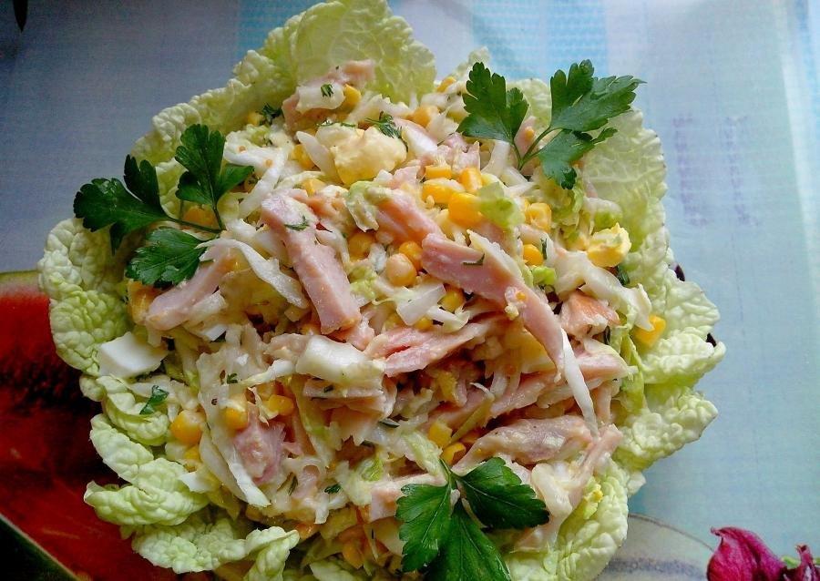салат из пекинской капусты и копченой курицы рецепт