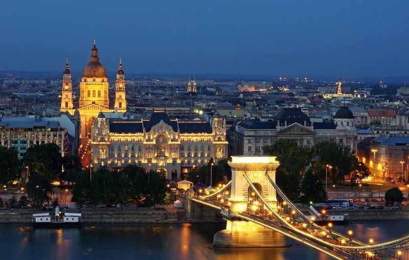 Дворцы Венгрии необычайно красивы: одним из величайших примеров венгерского модерна является дворец Грешема в городе Будапеште.
