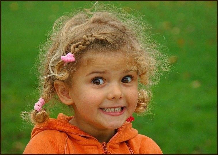 Смешные картинки с девочкой которая улыбается