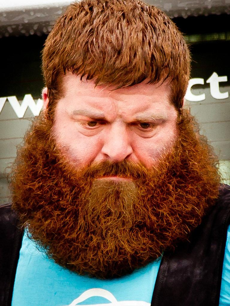 Бородатые толстые мужики Преувеличиваете