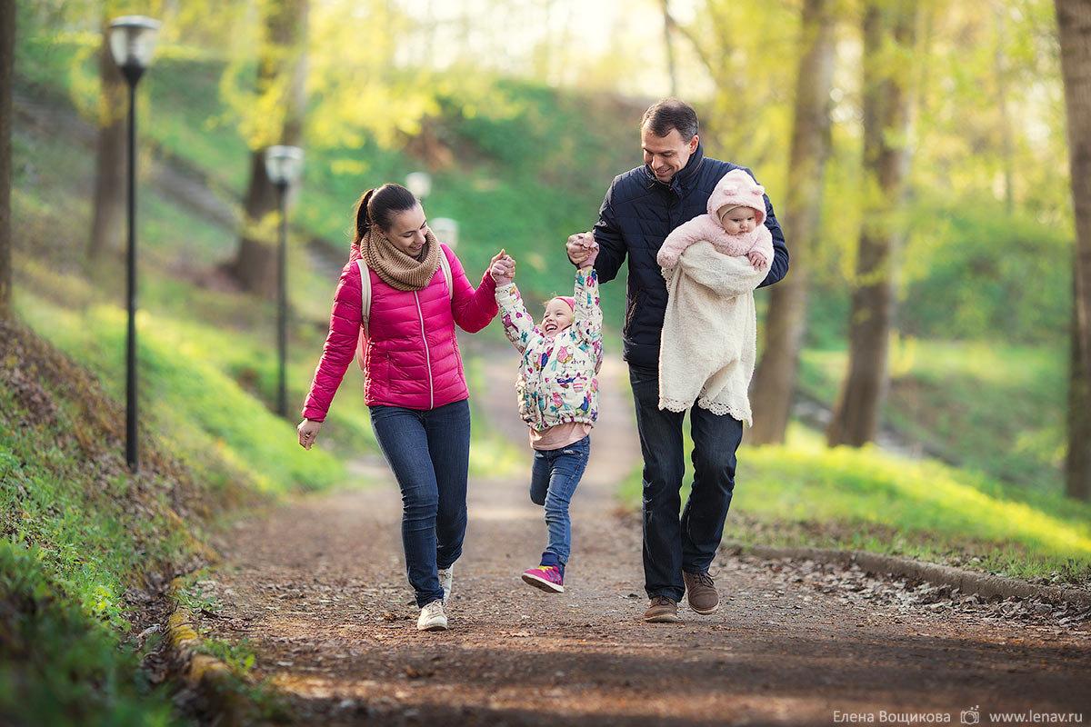 предлагаем поливочные фото прогулка с детьми поздравления