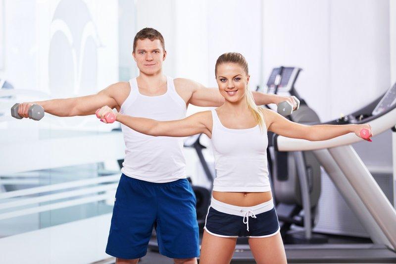 Шейпинг внутренне организовывает, что положительно сказывается на формировании правильной фигуры. Инструкторы шейпинга отмечают как в их группы записываются тучные, неказистые, неуклюжие мужчины и женщины, а пройдя курс тренировок, преображаются в стройных, привлекательных особ. Шейпинг убирает все недостатки человеческого тела – слишком худые или толстые ноги и руки, дряблый живот, двойной-тройной подбородки, отложения целлюлита на ягодичных мышцах, шеи, бедер