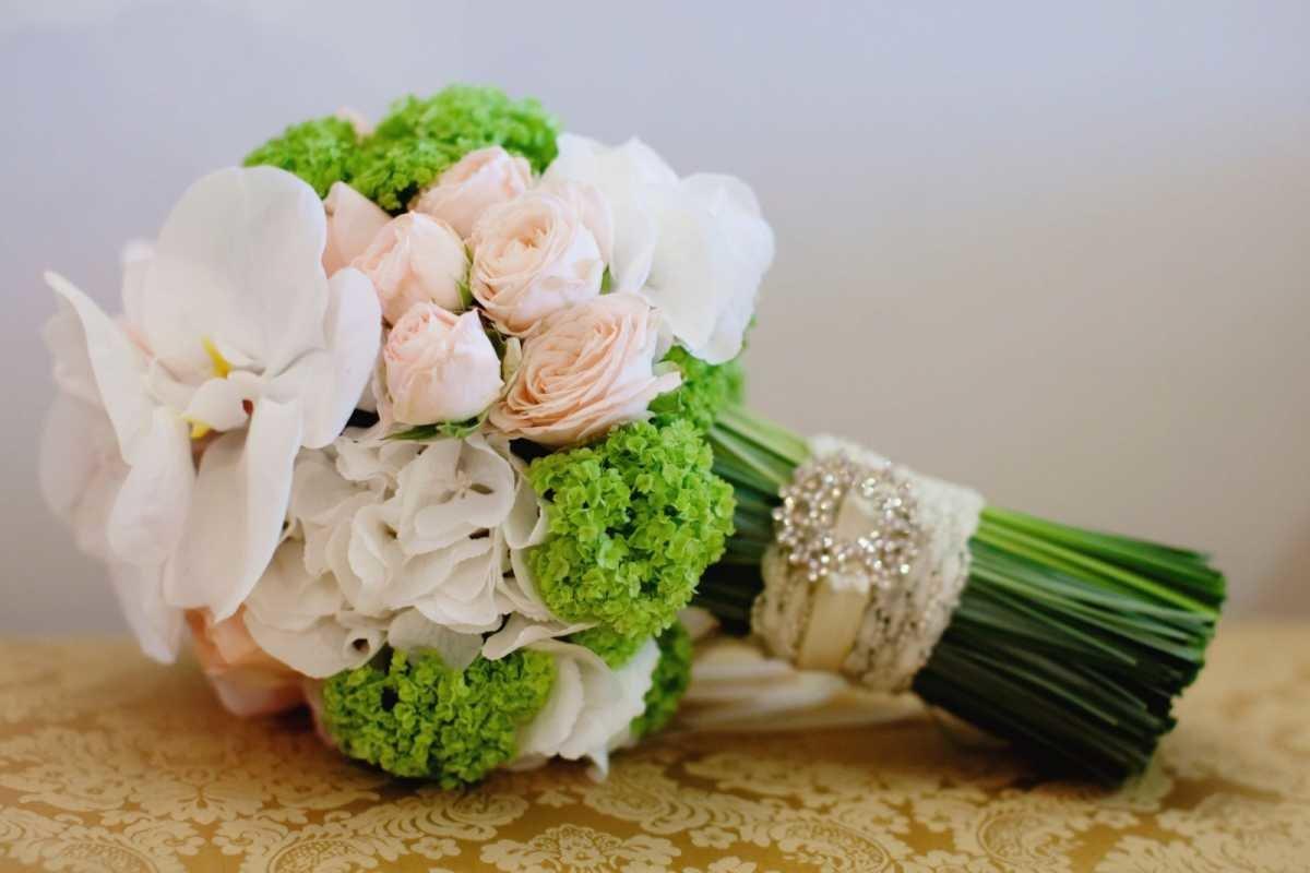 Новороссийск золотая, разновидность свадебных букетов