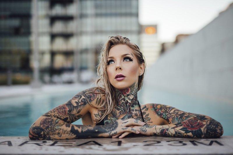 Татуированная блондинка м фото 389-164
