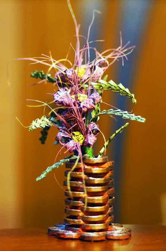 цветы из газетных трубочек картинки модельеры