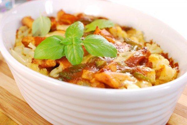 Тушеная картошка с овощами и сметаной в мультиварке
