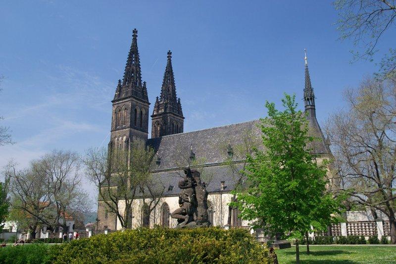 Крепость Вышеград — одна из самых древних в Чехии, находится в историческом районе столицы.