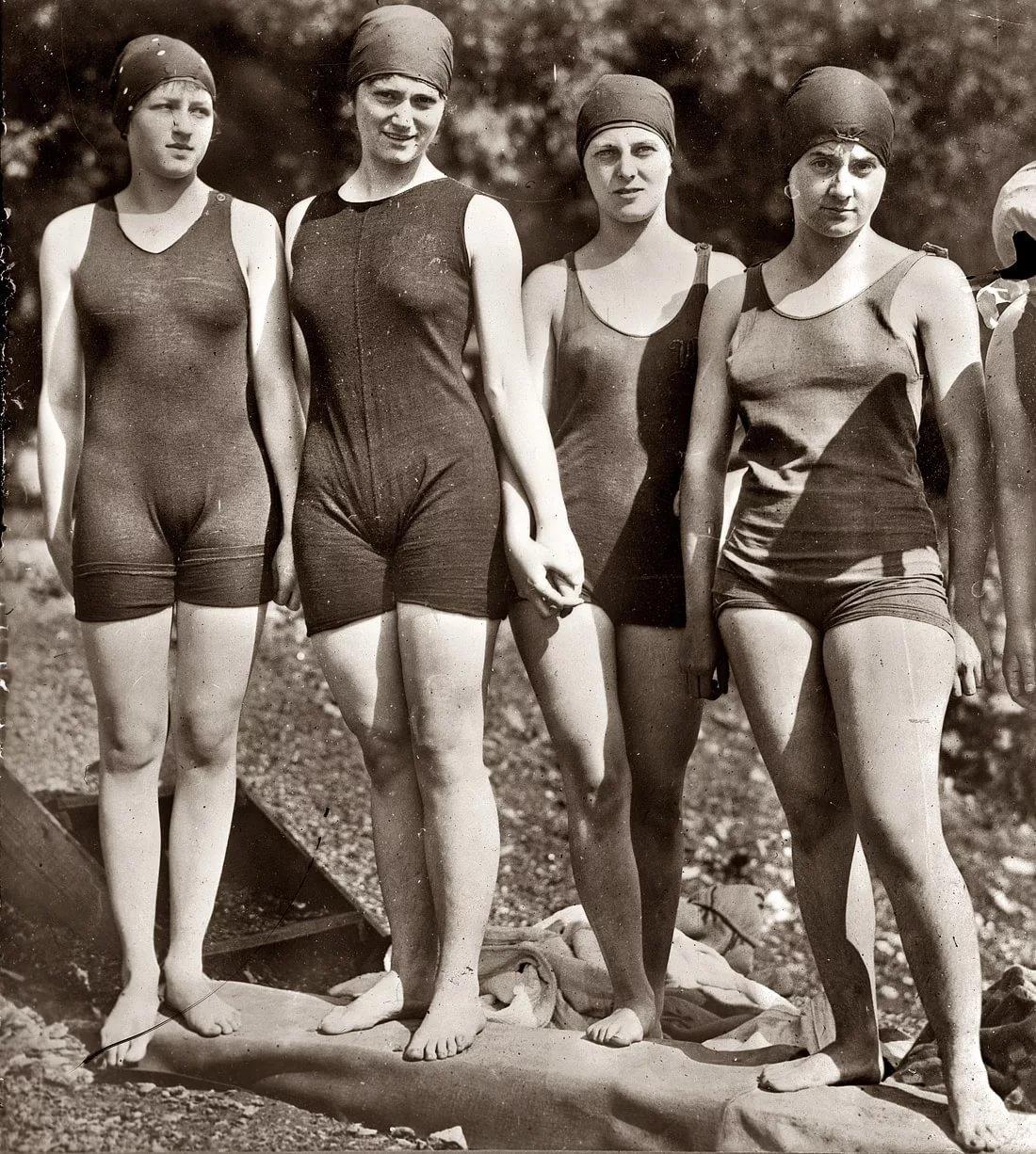 sovetskie-sportsmenki-v-kupalnikah-foto