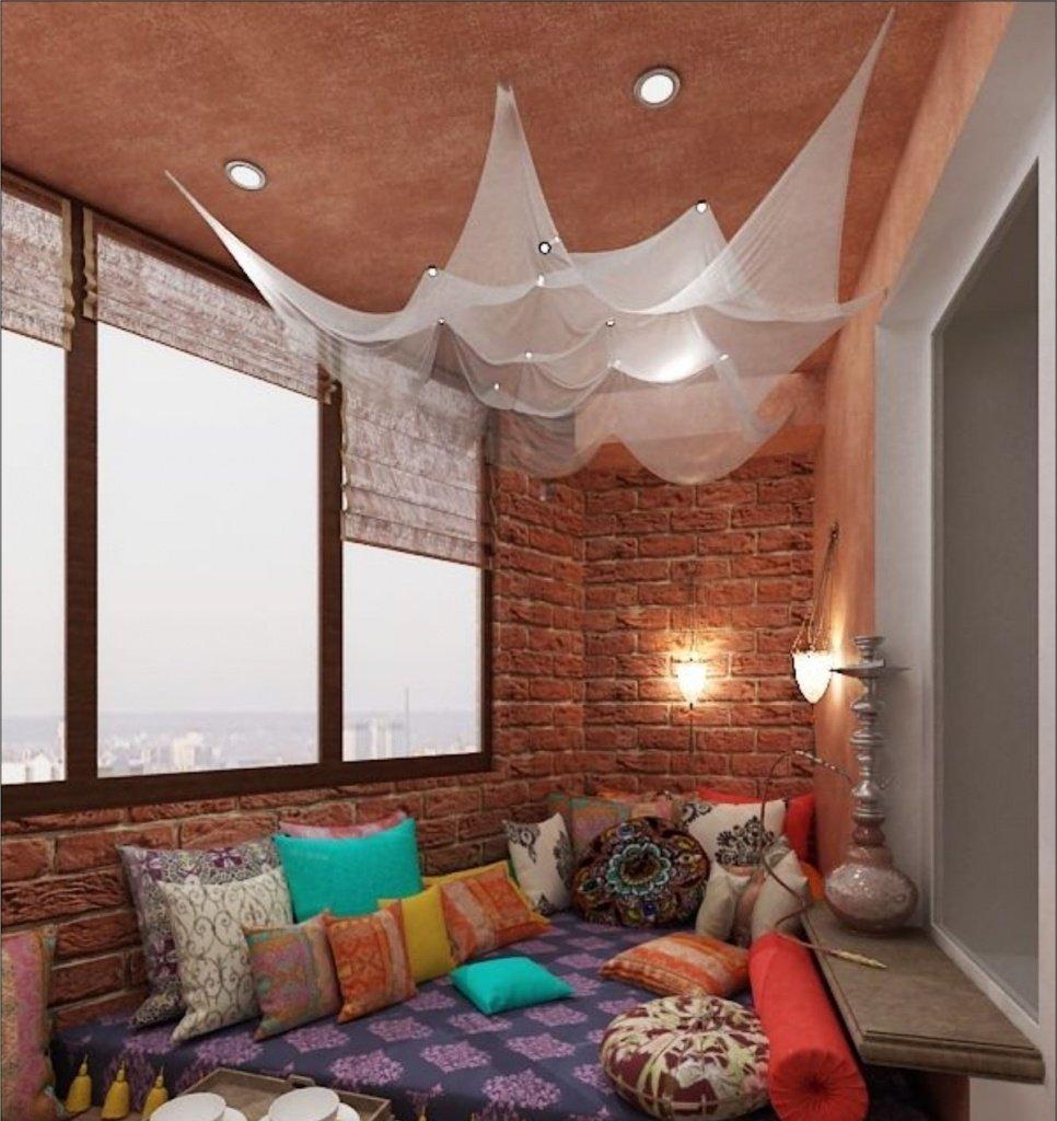 Балкон может использоваться как лаунж-зона. оформление предп.