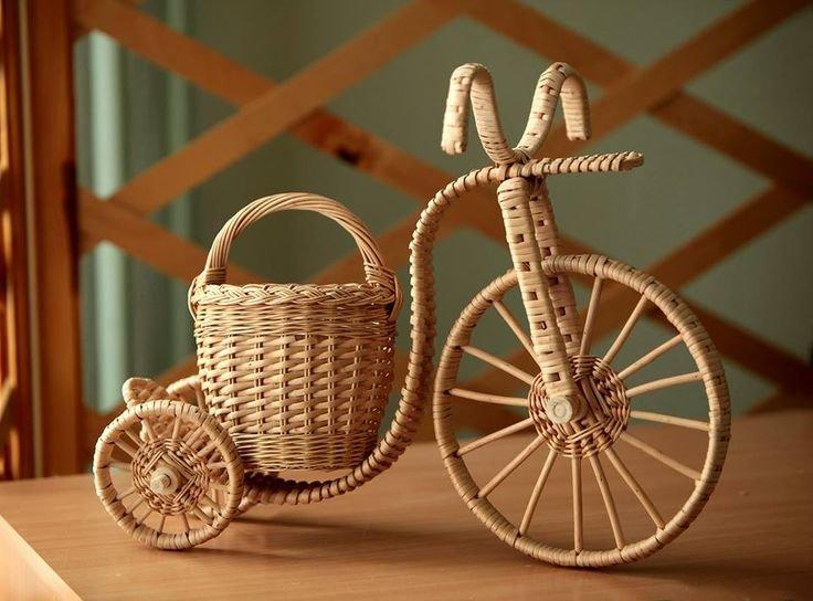 велосипеды из газетных трубочек фото