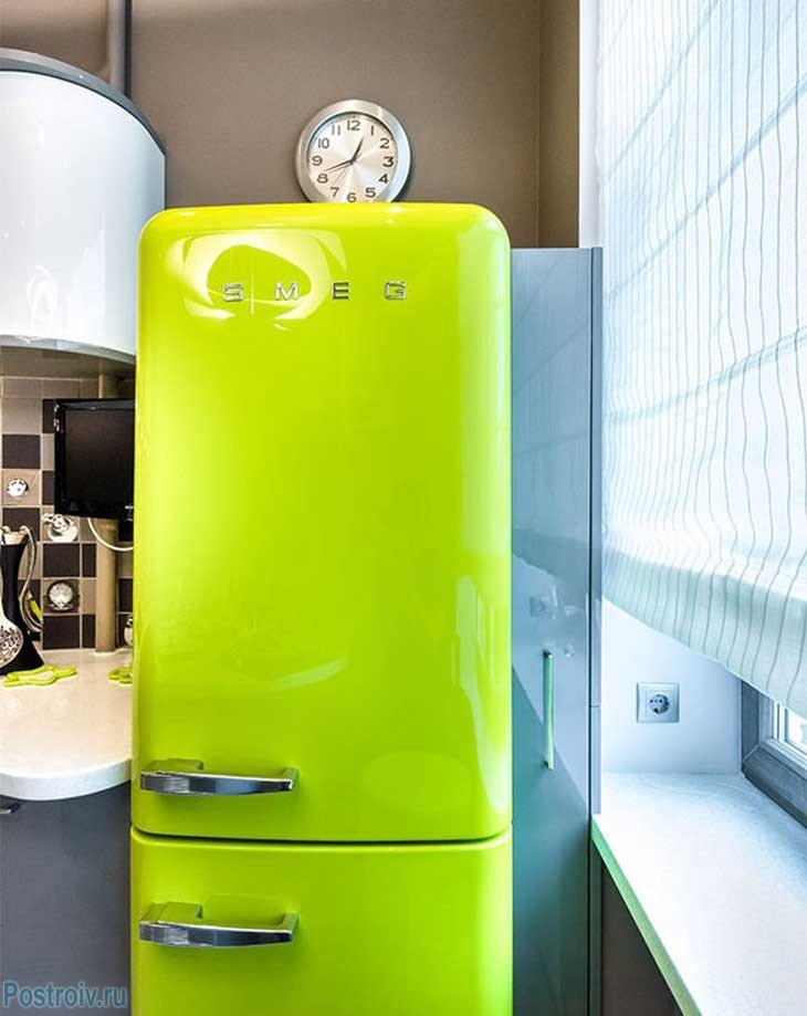 сути, картинки холодильник зеленый традиционным рождественским тортом