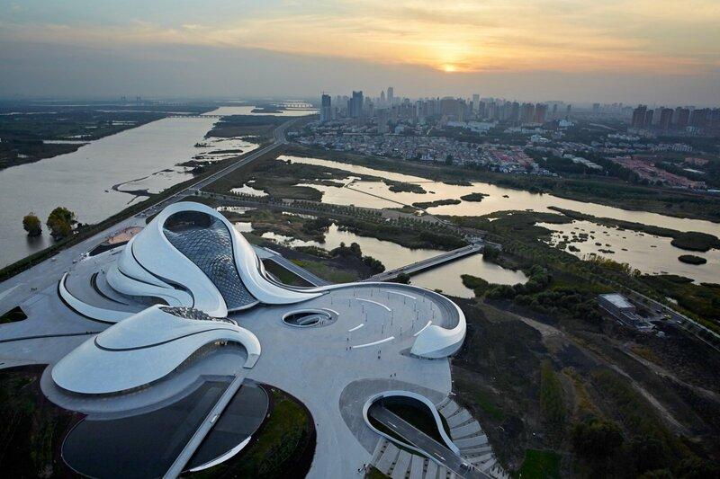Здание оперы в Харбине, Китай