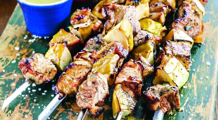 Гриль, мангал, барбекю , домашние рецепты автор: шашлык из свинины с луком.
