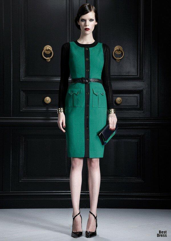 Зеленое платье с черными рукавами