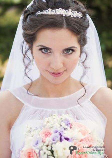 свадебная прическа фото с фатой