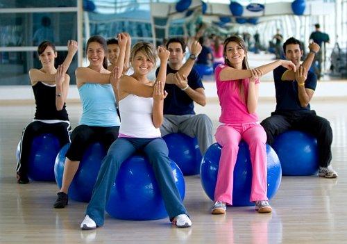 Для друзей год фитнеса за полцены!: Fitnesburg - фитнес-порт